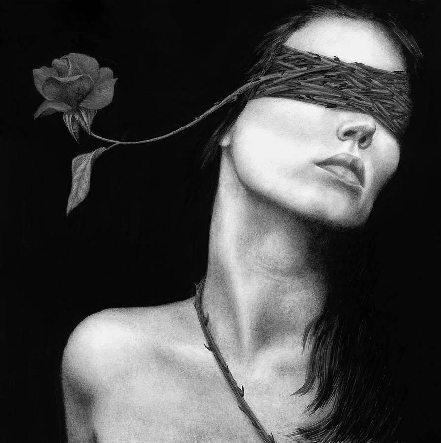 Risultati immagini per le più belle vampire in bianco e nero