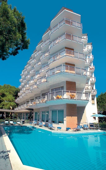 Hotel San Giorgio Milano Marittima  3 stelle vicino la spiaggia