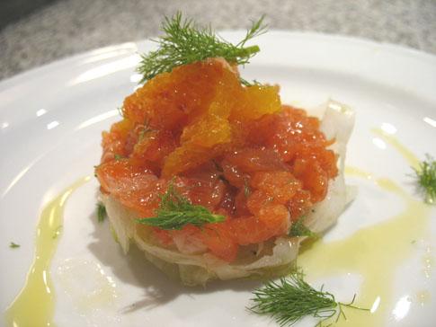 Ricetta Tartare di salmone marinato con insalata di
