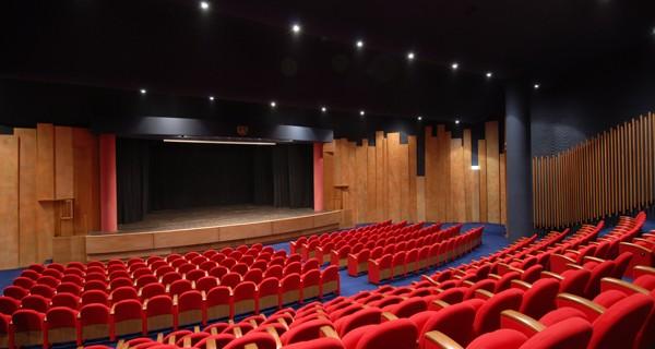 Teatro Brancaccio  Hotel a Roma
