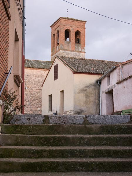 Entrada a la plaza de El Guijar.