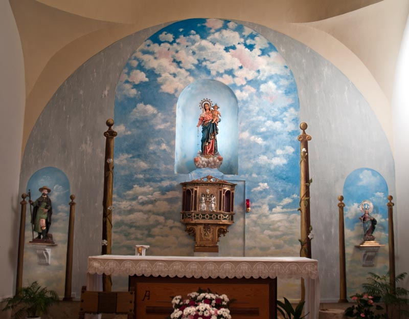 El Guijar. Fresco del altar de la iglesia.