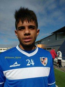 Luizinho posa en su primer entrenamiento | Linares Deportivo