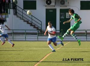 Sergio Silva ante el Lopera | J. La Fuente