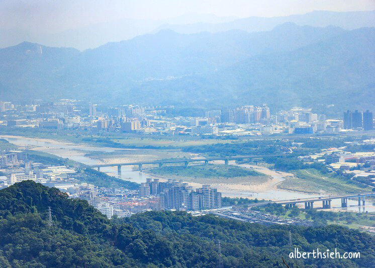 福源山步道百年大榕樹.龜山景點