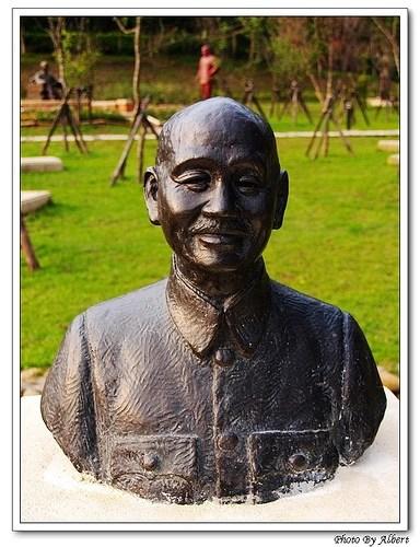 【桃園旅遊景點】桃園大溪.兩蔣文化園區(桃園草花節 – 銅像篇)