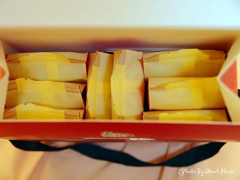 【試吃】宜蘭餅.特牛鮮奶酥餅(牛舌造型的奶酥餅)