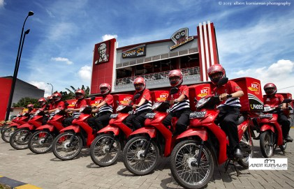 KFC-people-delivery-2013