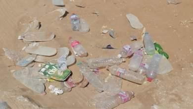 Photo of حين يغزو البلاستيك أجمل الشواطئ : بنزرت… بين سحر الطبيعة وعبث الانسان