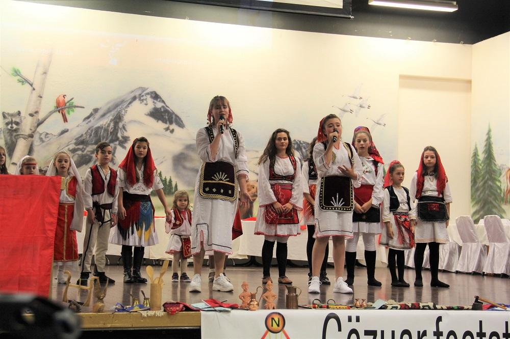 Festa e Flamurit, në shenjë apeli për forcimin e shkollës