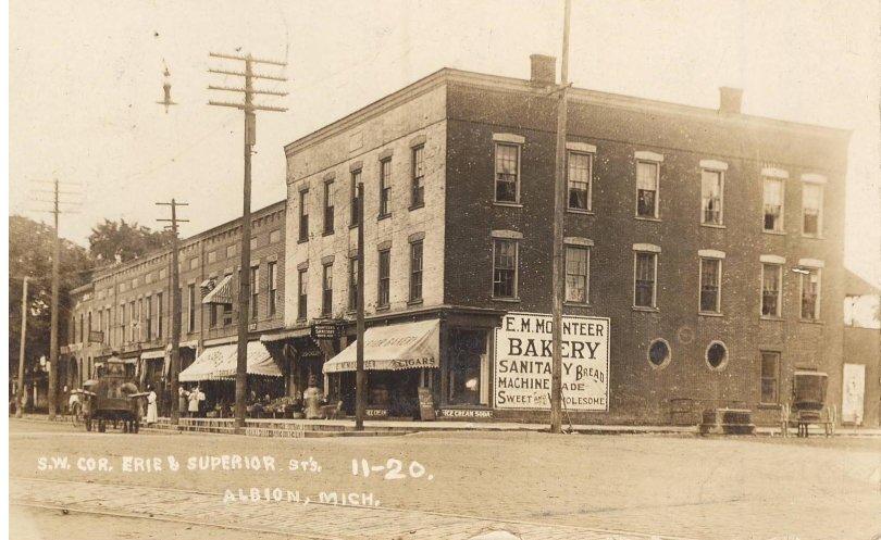 A Michigan bakery in 1911.
