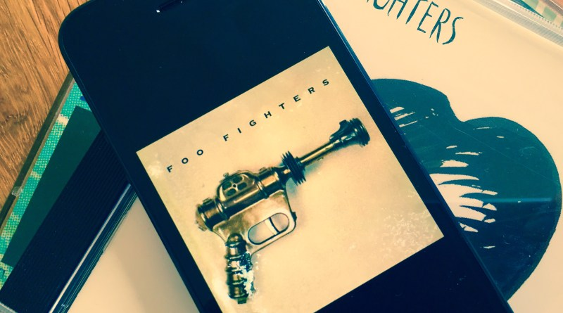 Foo Fighters debut album (1995) | www.AlbumsThatRock.com