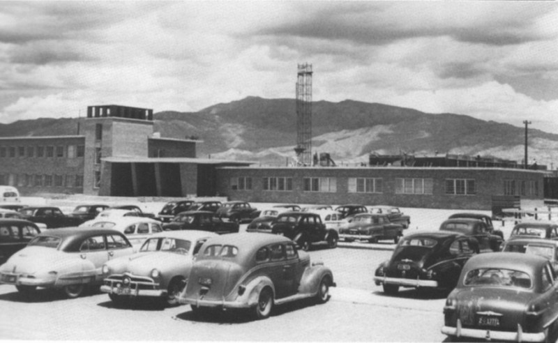 1951 photo of Building 800 at Sandia Labs
