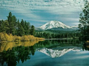 awesome-mountain-and-lake-free