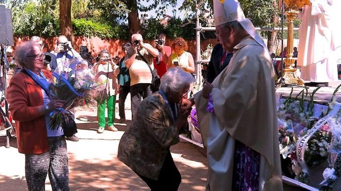 Ofrenda floral a la Virgen del Val