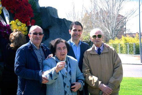 El alcalaino Francisco Sancha de 92 años y la alcalaina Carmen Sánchez de 86, llegaron a conocer personalmente a Manuel Azaña. Foto de Pedro Enrique Andarelli