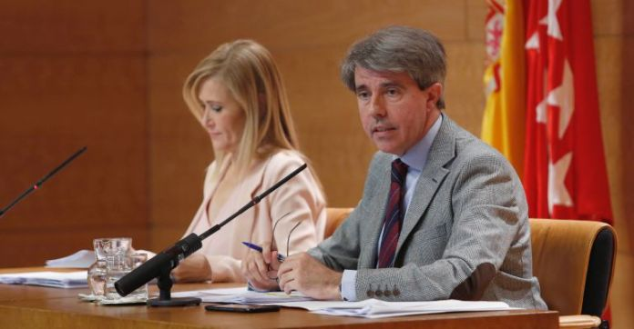 Cristina Cifuentes y Ángel Garrido en la rueda de prensa posterior al Consejo de Gobierno / Comunidad de Madrid