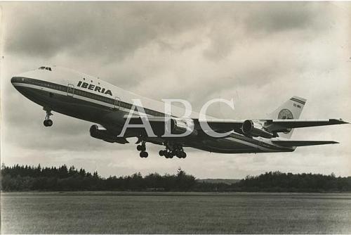 El Boeing 747 EC-BRO antes de aterrizar.