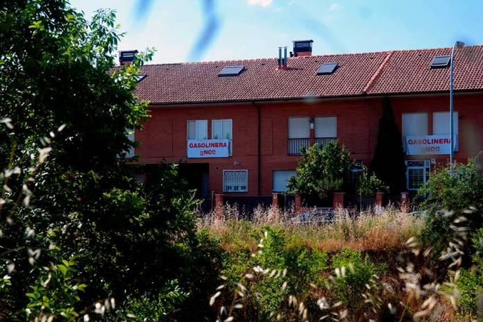Denuncian la posible construcción de una gasolinera al lado de un instituto en Alcalá