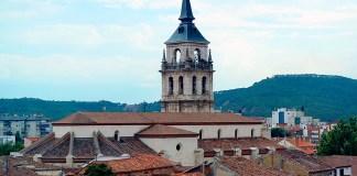 Catedral-Magistral de Alcalá de Henares en ferragosto