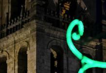 La catedral iluminada por los Santos Niños