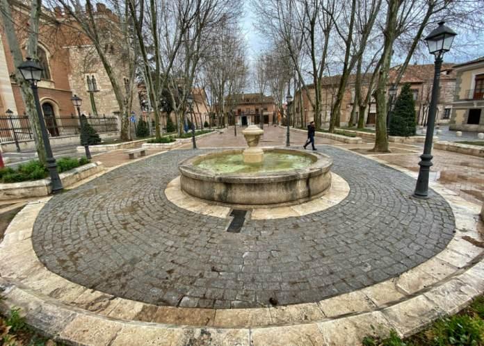 Fin de invierno en la Plaza de Palacio de Alcalá