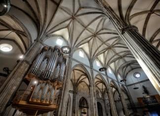 El majestuoso órgano de la Catedral Magistral guarda silencio