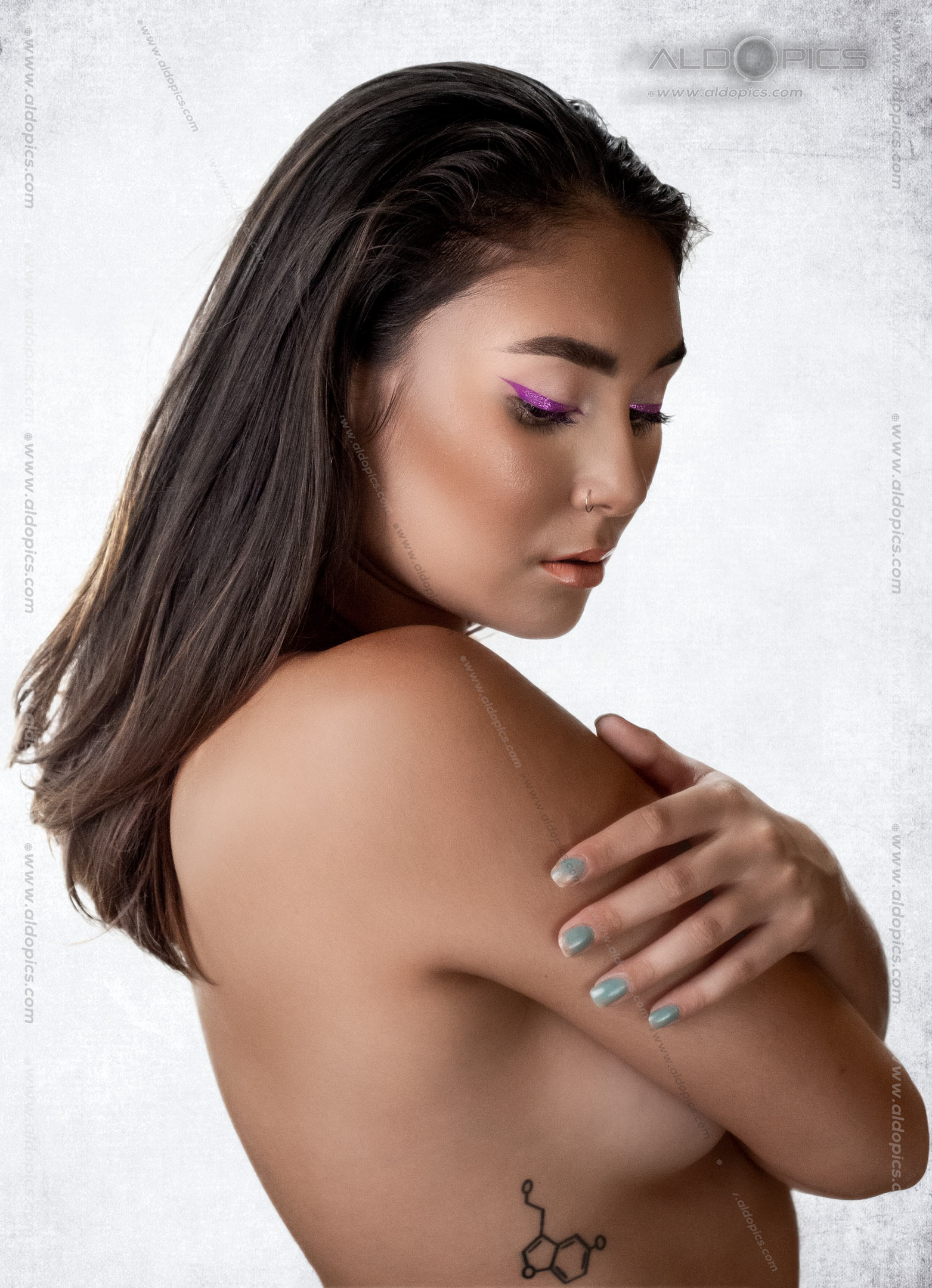 AldoPics Censored nude Beauty Shot
