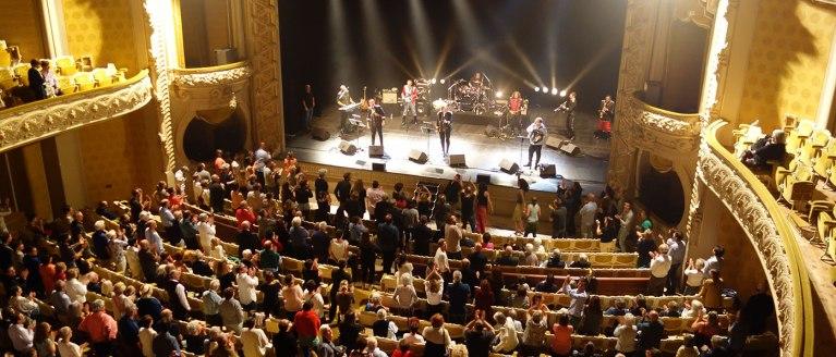 Emir Kusturica & The No Smoking Orchestra font danser l'Opéra de Vichy
