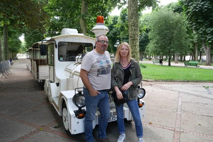 Marie-Noëlle et Patrick vous accueillent dans le Petit Train de Vichy