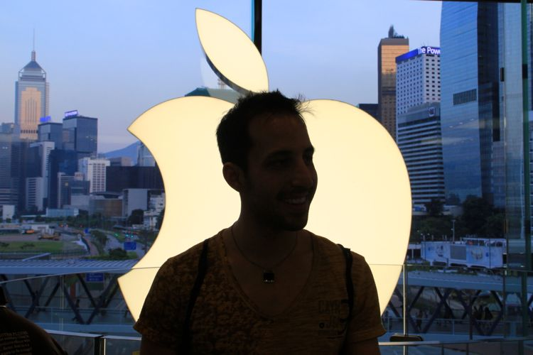 The Most Amazing Apples Store: IFC Mall, Hong Kong (June)