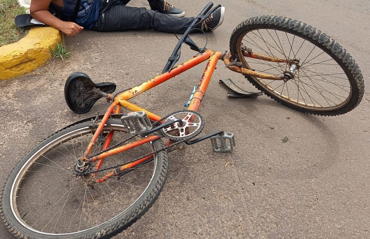 Acidente entre caminhonete e ciclista deixa homem ferido
