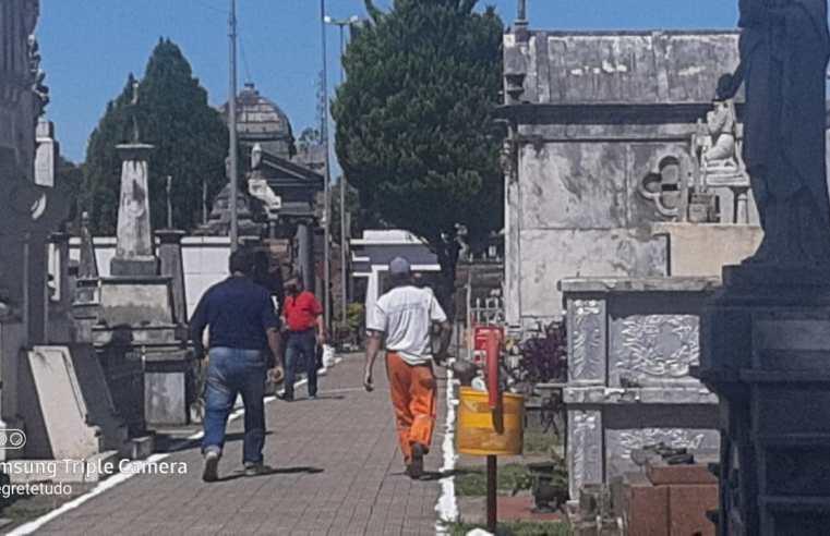 Bom movimento, no Cemitério, antes do feriado de finados em Alegrete