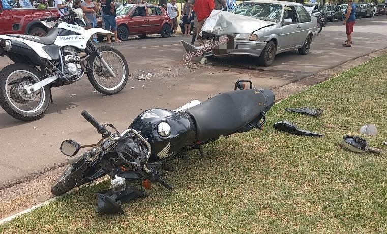 Choque frontal entre moto e carro deixa motociclista ferido em Alegrete