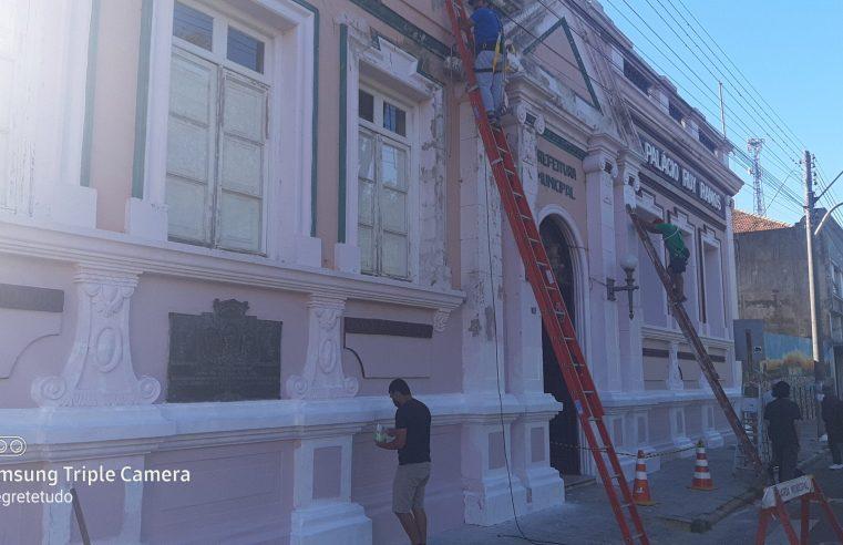Palácio Rui Ramos ganha nova pintura para entrar 2021 com novo visual