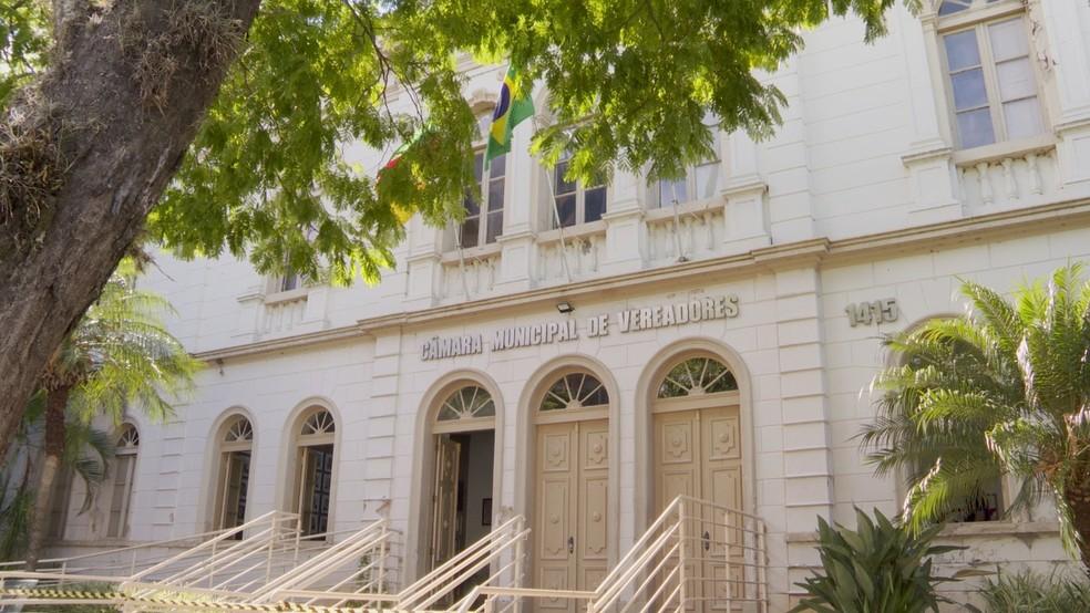 Vereadores de Santa Maria abrem mão de verbas para manutenção de gabinete; 10 já aderiram