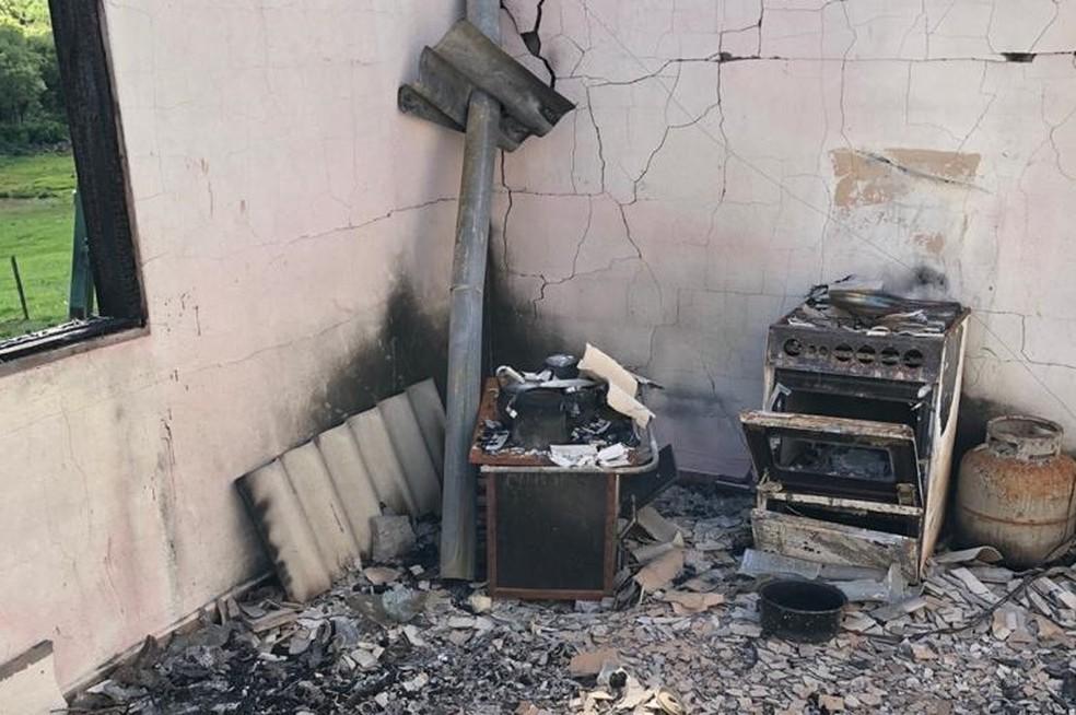 'Denota uma premeditação', diz polícia sobre suspeito de matar família em incêndio em Tunas