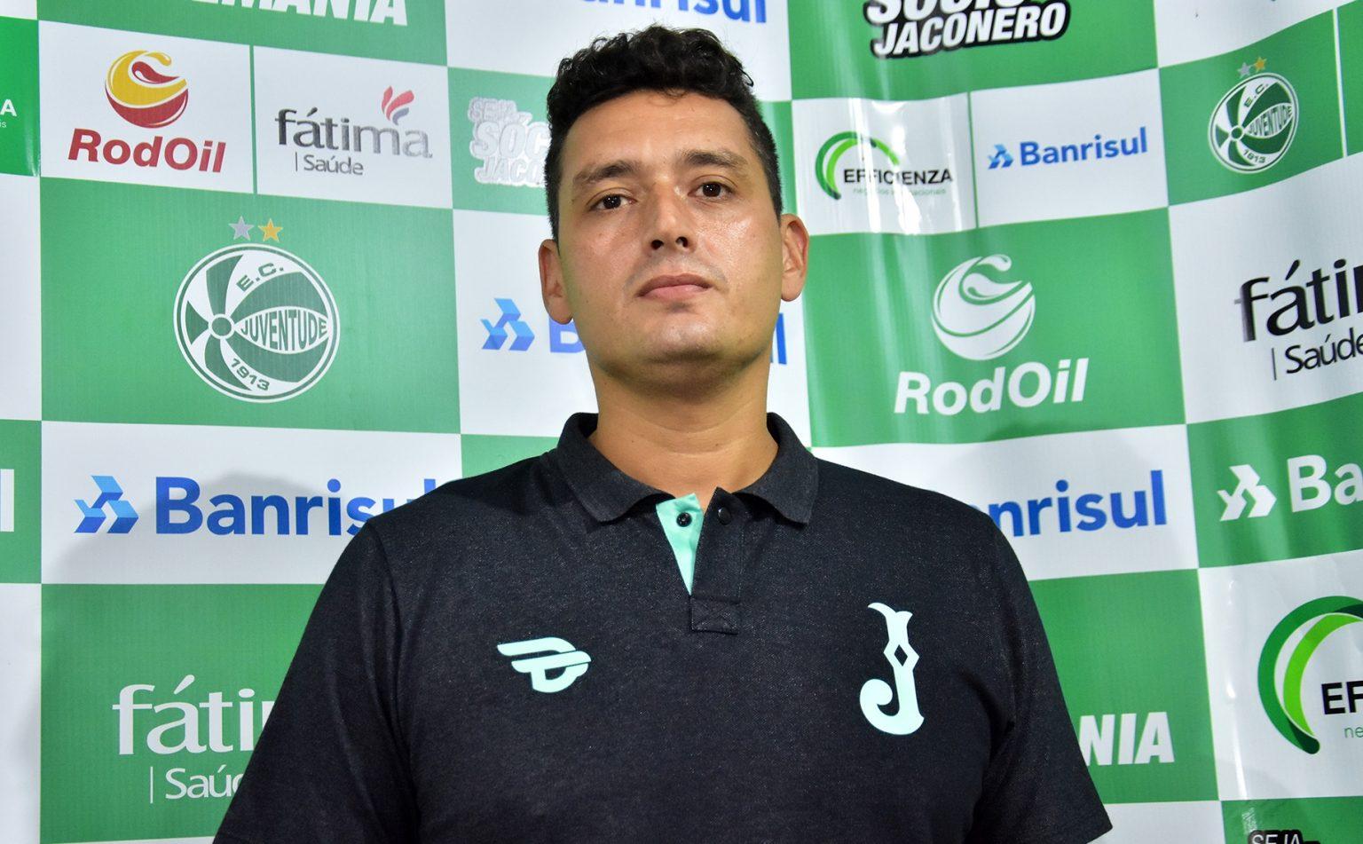 Cyro Leães, com passagem pelo Flamengo de Alegrete é o novo coordenador técnico da base do Juventude