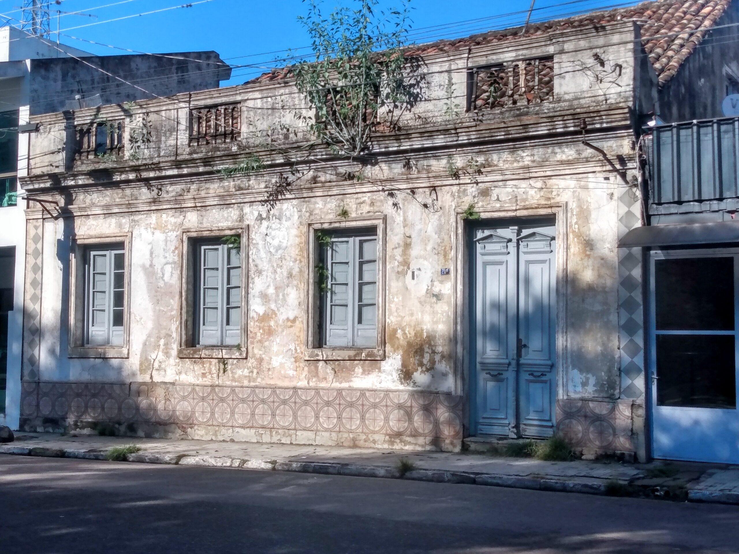 Prédios históricos e tombado pelo patrimônio resistem ao tempo em Alegrete