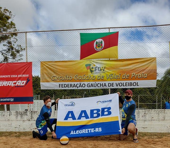 Dupla de Alegrete segue na disputa do Circuito Gaúcho de Vôlei de Praia