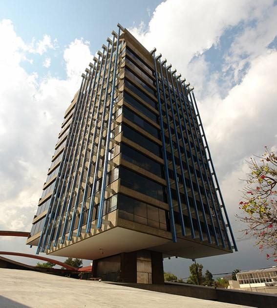 """El edificio de """"La Celanese"""" de la SEMARNAT"""