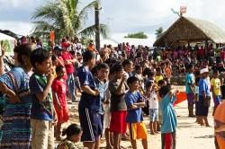Crowd at the Lutok Koban Alele