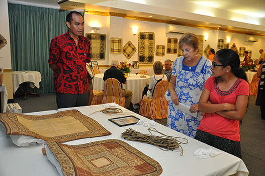 Jaki-ed Auction - Marques Hanalei Marzan, Cultural Resource Specialist, Bishop Museum, Hawaii, RMI Museum Carol Curtis, Poete Kathy Jetnil Kijiner