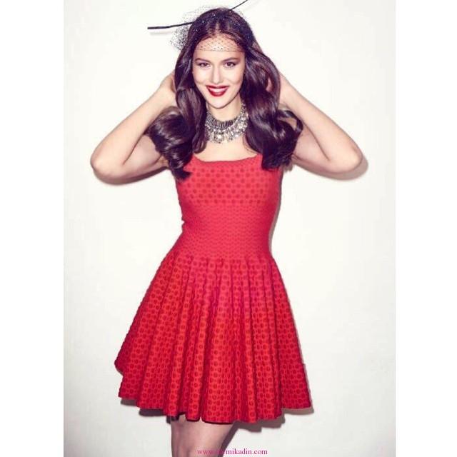 Fahriye-Evcen-Kırmızı-Elbise