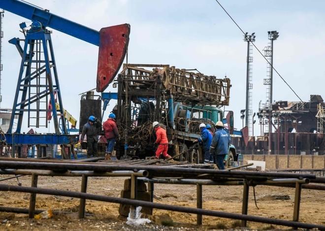النفط يهبط بفعل المخاوف الاقتصادية