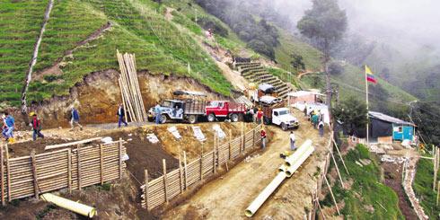 La compañía AngloGold Ashanti explota el yacimiento de oro más importante de Colombia