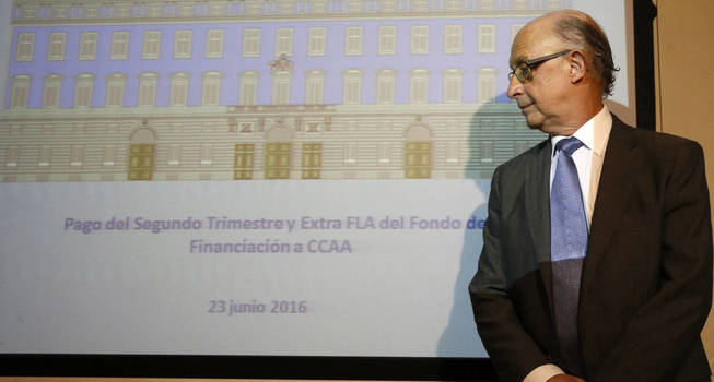 Cristóbal Montoro, durante la rueda de prensa del Fondo de Liquidez Autonómica (FLA).