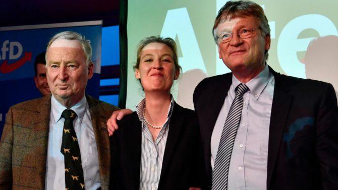 Alexander Gauland, Alice Weidel y Jörg Meuthen, de la AfD.
