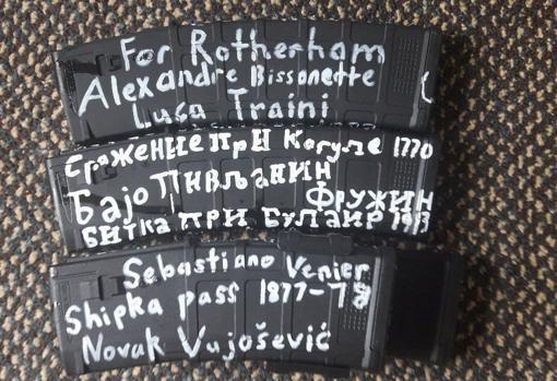 Inscripciones en el armamento de Brenton Tarrant