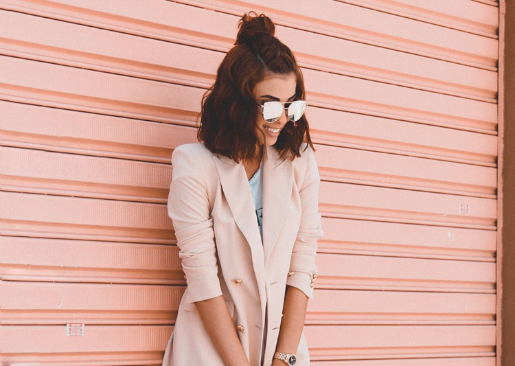 Look do Dia: Blazer Rosa com Tênis